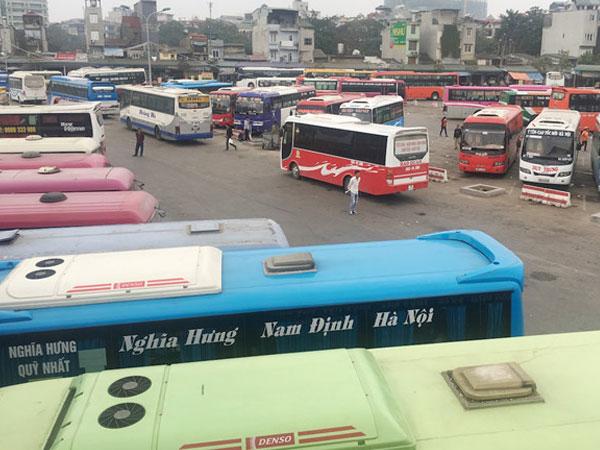 Xe Ninh Bình vẫn bắt khách tại Mỹ Đình dù đã xóa tuyến