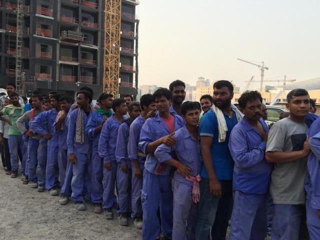 Những người dân lao động nhập cư ở Dubai có cuộc sống rất bấp bênh
