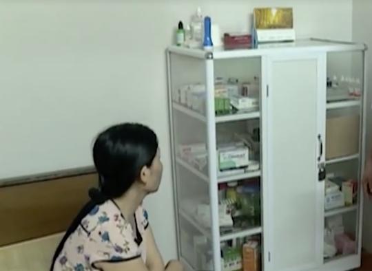 Hơn 70 trẻ bị sùi mào gà: Đi khám họng, y sĩ đòi chữa bao quy đầu - Ảnh 2.
