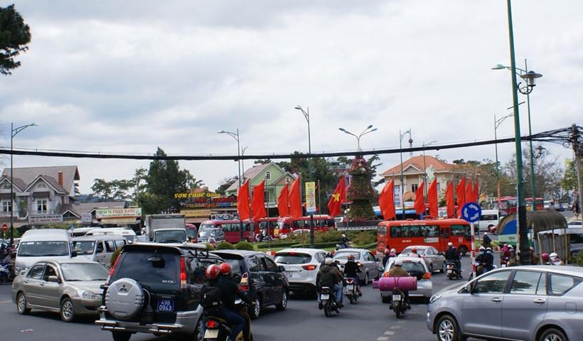 Vì sao Đà Lạt - Thành phố duy nhất cả nước không có đèn xanh, đèn đỏ? - 2