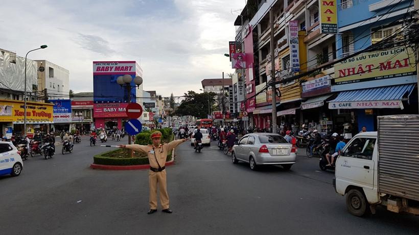 Vì sao Đà Lạt - Thành phố duy nhất cả nước không có đèn xanh, đèn đỏ? - 4