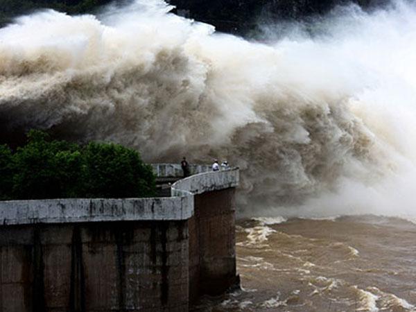 Thủy điện Hòa Bình đóng cửa xả đáy cuối