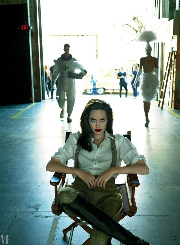 Angelina Jolie bị liệt cơ mặt, tăng huyết áp và chia sẻ về cuộc ly hôn với Brad Pitt - Ảnh 7.