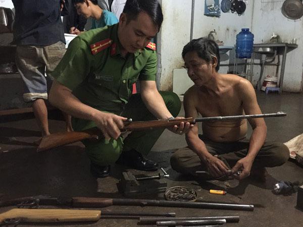 Người sửa súng nổi tiếng Buôn Ma Thuột bị điều tra