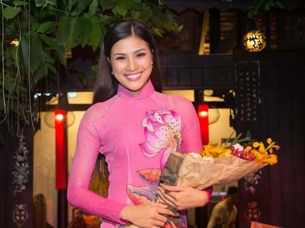 Nguyễn Thị Thành lờ tuyên bố giải nghệ, diễn show cho