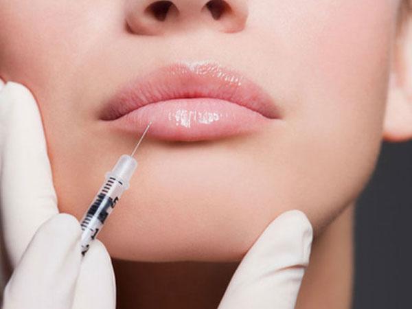 Bác sĩ cảnh báo về tác dụng phụ đáng sợ của việc bơm môi, trước khi làm đẹp chị em cần phải suy nghĩ kỹ