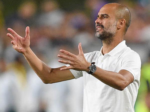 Guardiola giận điên với sếp lớn Man City