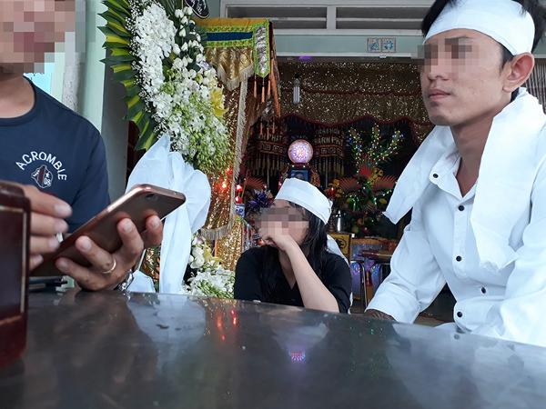 Mối tình 10 năm và nỗi đau của chàng trai thấy vợ sắp cưới tử vong do ô tô mở cửa bất cẩn