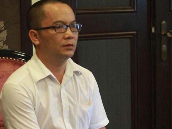 Đại gia bật khóc nức nở trong phiên tòa giành nuôi con khuyết tật