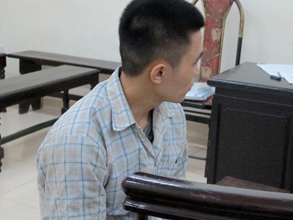 Gã trai rủ bé gái 13 tuổi vào nhà nghỉ lĩnh 16 năm tù