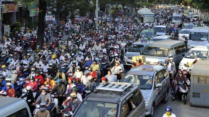 Kết quả hình ảnh cho TP.HCM sẽ dừng hoạt động xe tải vào ban ngày để giảm ùn tắc