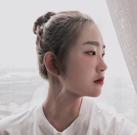 Con gái của Choi Jin Sil tiết lộ thêm bị bà ngoại đưa vào bệnh viện tâm thần - Ảnh 1.