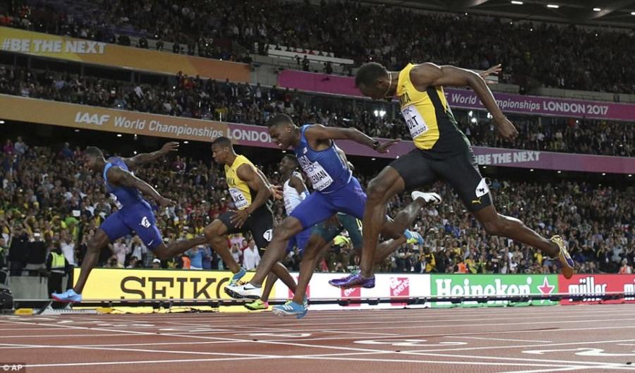 Usain Bolt that bai o chung ket 100 m giai vo dich the gioi hinh anh 2