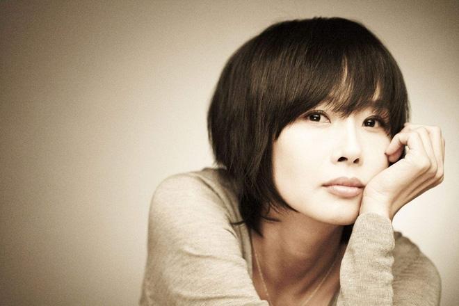 Không chỉ có con gái, Choi Jin Sil đã từng phải lên tiếng khi bị mẹ ruột đối xử thiếu công bằng - Ảnh 1.
