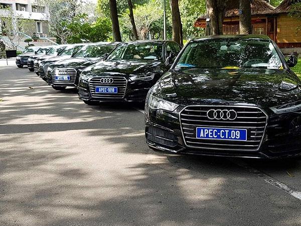 """""""Soi"""" dàn xe sang Audi Apec 2017 tiền tỷ tại Sài Gòn"""