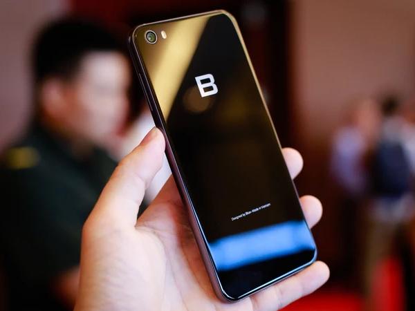5 smartphone có cấu hình như Bphone 2017
