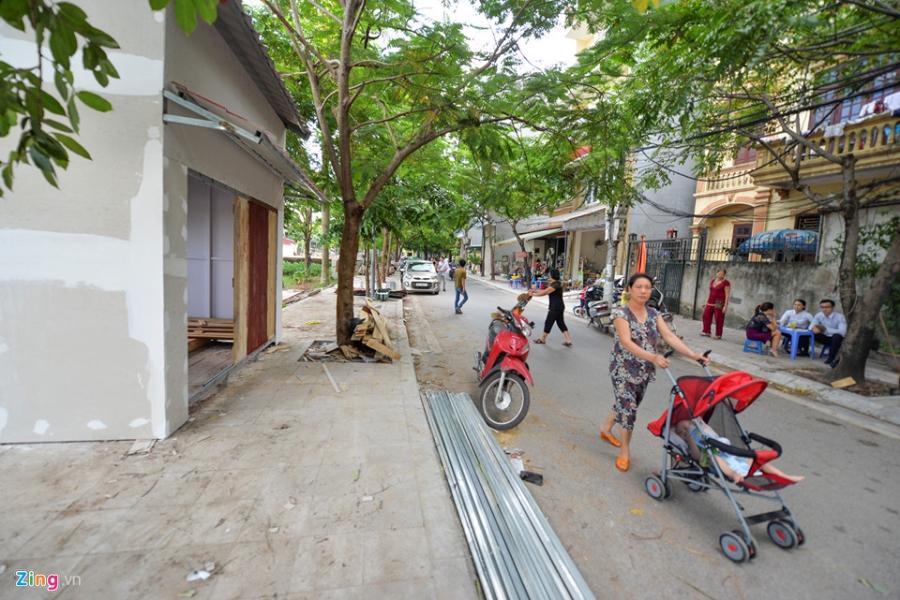 Cac gian hang o pho di bo Trinh Cong Son phai thao do vi dan phan doi hinh anh 10