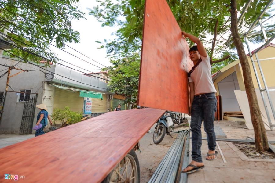 Cac gian hang o pho di bo Trinh Cong Son phai thao do vi dan phan doi hinh anh 13