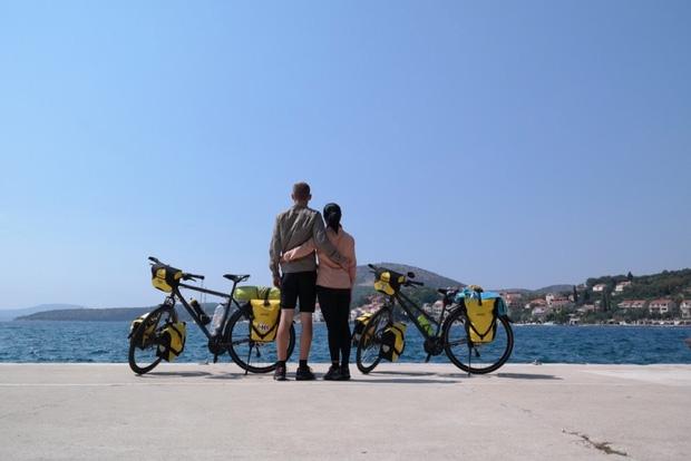 Đôi vợ chồng Việt - Hung đạp xe hơn 11.000km từ Hungary về Việt Nam - Ảnh 14.