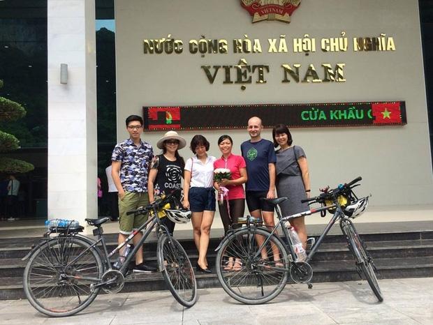 Đôi vợ chồng Việt - Hung đạp xe hơn 11.000km từ Hungary về Việt Nam - Ảnh 20.