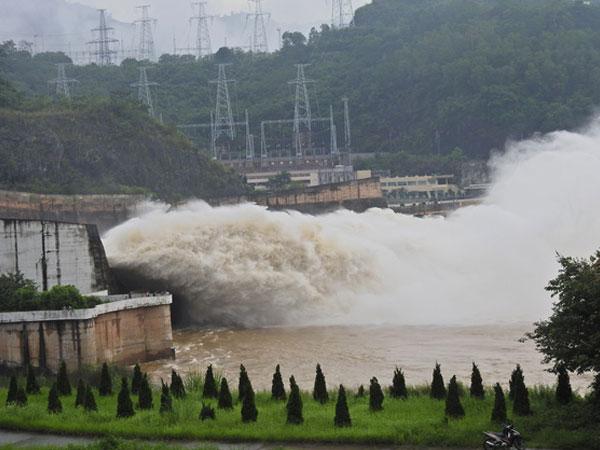 12h trưa nay Thủy điện Hòa Bình xả lũ