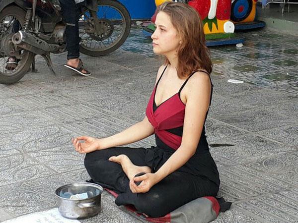 Khách Tây ăn xin: Câu chuyện nhức nhối không chỉ ở Việt Nam