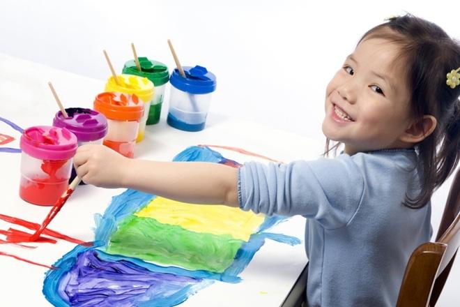 Bảo con vẽ lọ hoa, nhưng khi nhận lại tác phẩm ông bố nhận ra tài năng đặc biệt của con mình - Ảnh 2.