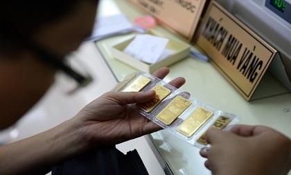 Chiều nay 11/8, giá vàng SJC bật tăng mạnh 100.000 đồng/lượng.