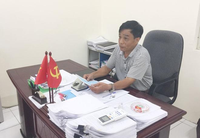 Kiểm điểm Chủ tịch xã ở Hà Nội phê bình cả gia đình trong lý lịch tân sinh viên - Ảnh 1.
