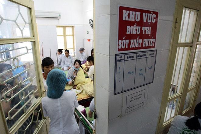 Nữ điều dưỡng mang thai sắp đẻ vẫn căng mình chống sốt xuất huyết - 10