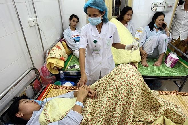 Nữ điều dưỡng mang thai sắp đẻ vẫn căng mình chống sốt xuất huyết - 11