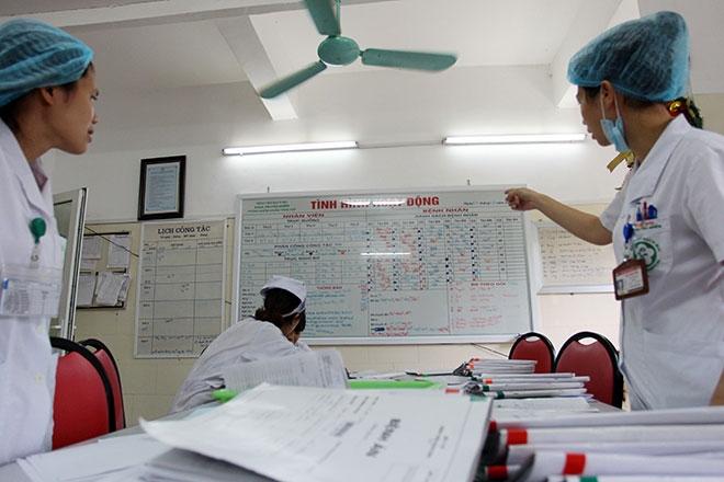 Nữ điều dưỡng mang thai sắp đẻ vẫn căng mình chống sốt xuất huyết - 12