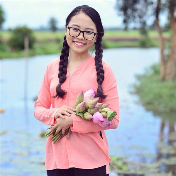 phuong my chi va ban linh 4 lan vuot scandal cua co be 14 tuoi - 1