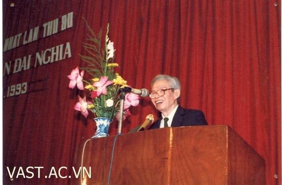 Vị tướng mang hơn 1 tấn tài liệu chế tạo vũ khí về Việt Nam - Ảnh 7.