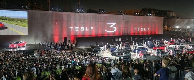 """Xe điện """"bình dân"""" Tesla Model 3 chính thức ra mắt - 3"""