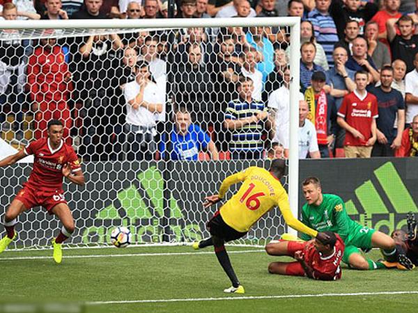 Phòng ngự tệ hại, Liverpool nhận trái đắng ngày khai màn đúng phút bù giờ