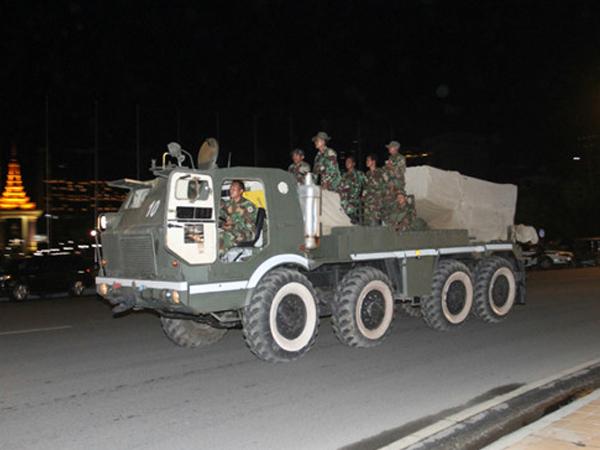 Thủ tướng Campuchia tức tốc sang Lào yêu cầu rút quân