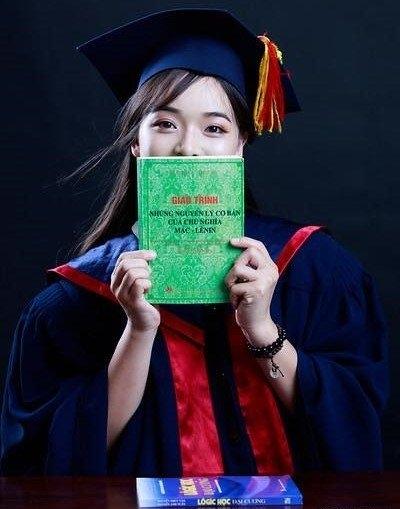 bằng tốt nghiệp,nữ sinh,Trường ĐH Khoa học Xã hội và Nhân văn