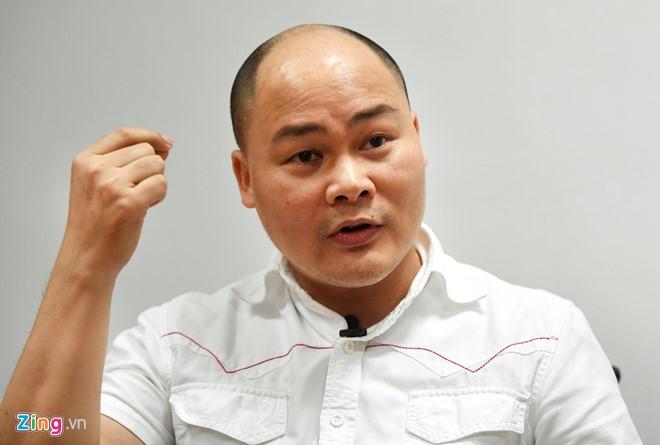 Ong Nguyen Tu Quang ly giai ve thiet ke moi cua Bphone 2017 hinh anh 2