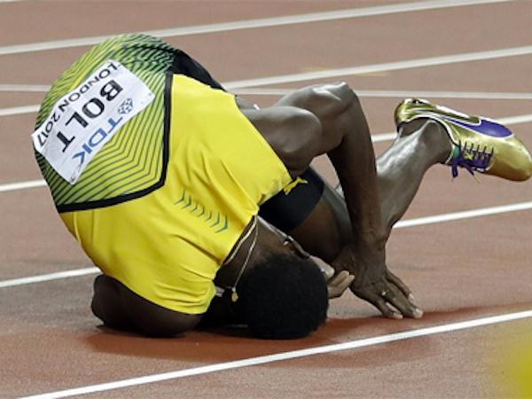 Usain Bolt ngã gục trên đường chạy cuối cùng