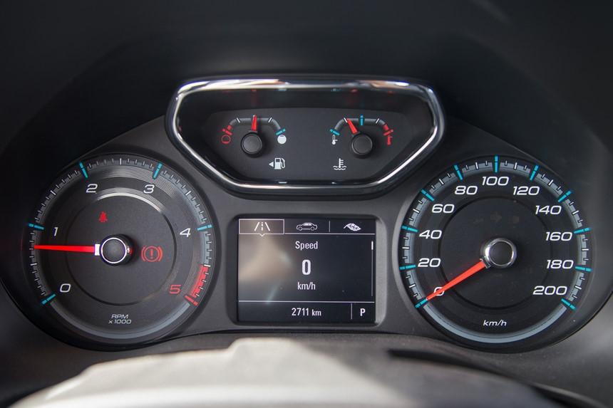 Danh gia Chevrolet Colorado 2017 gia 839 trieu dong tai Viet Nam hinh anh 6