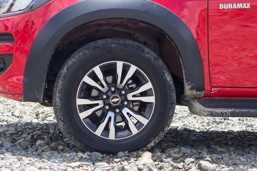 Danh gia Chevrolet Colorado 2017 gia 839 trieu dong tai Viet Nam hinh anh 16