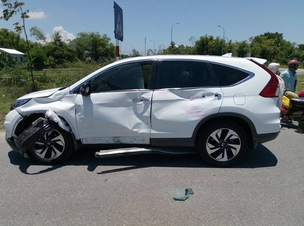 Huế: Ô tô tông xe máy chở gas, nam thanh niên chết thảm - Ảnh 2.