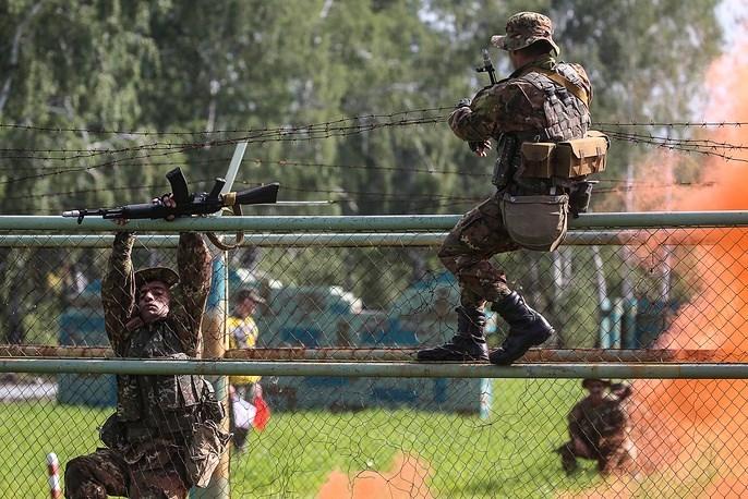 Muc kich tinh hoa luc quan the gioi tai Army Game 2017