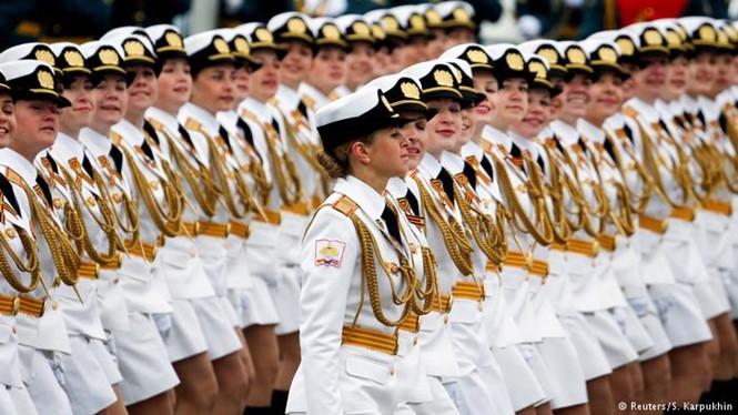 Các nữ quân nhân Nga /// Reuters