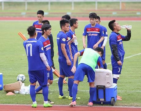 Tính từ trận gặp Indonesia cho đến bán kết, U22 Việt Nam sẽ phải đá với mật độ 3 trận/4 ngày, nêu khâu thể lực là rất quan trọng