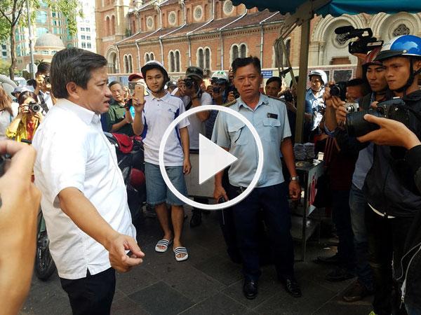 Video: Ông Đoàn Ngọc Hải xử lý bãi giữ xe cạnh UBND quận 1