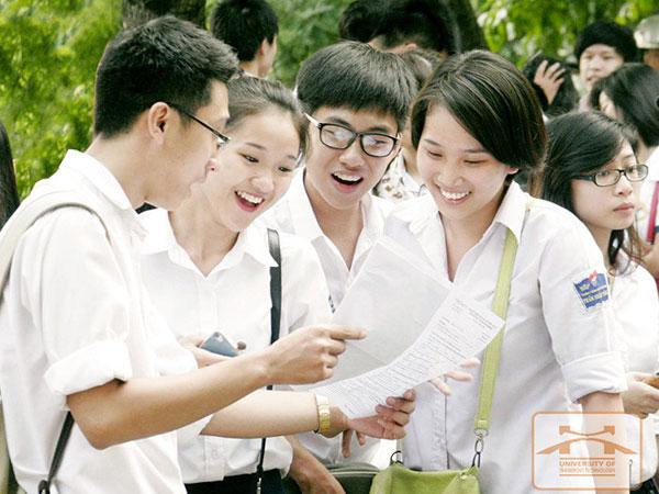 """Trường ĐH Vinh """"bất ngờ"""" tăng điểm nhóm ngành Sư phạm đến 24 điểm"""