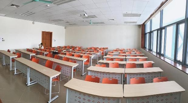 Xem ảnh SV check-in ở Đại học Kinh tế Quốc dân mà cứ tưởng như đang ở nước ngoài! - Ảnh 3.