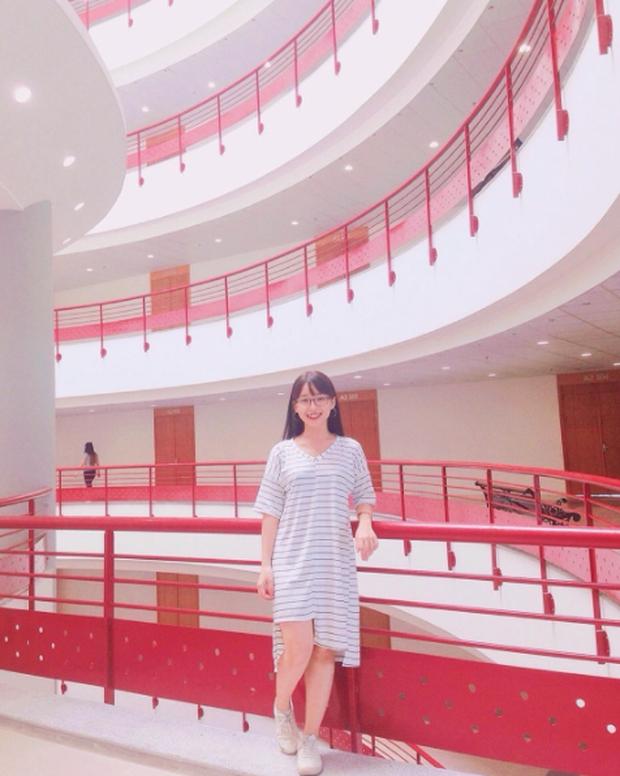Xem ảnh SV check-in ở Đại học Kinh tế Quốc dân mà cứ tưởng như đang ở nước ngoài! - Ảnh 13.